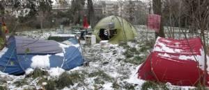 """""""campemant de sans-abri en hiver"""