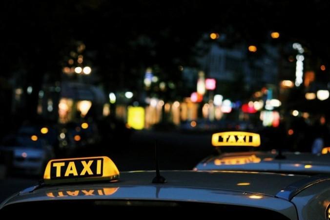chauffeur taxi C.B
