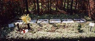 Résultat d'images pour cimetière 10 la forêt de perlach