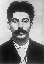 Résultat d'images pour staline en 1918 photo